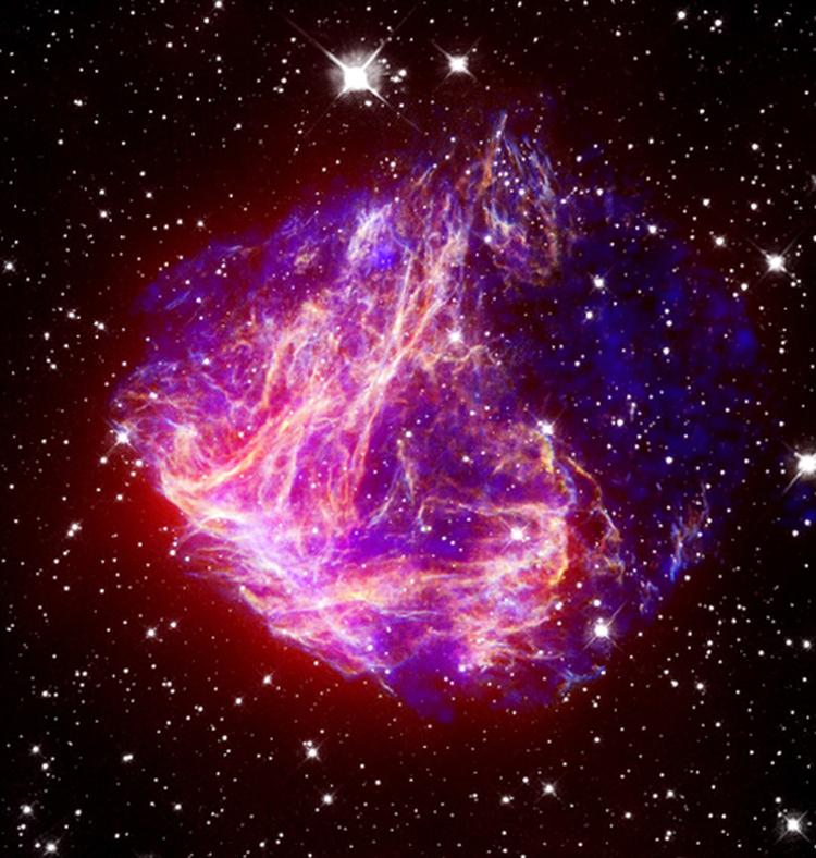 Süpernova kalıntısı N49'un kızılötesi, optik ve X-ışın görüntüsü