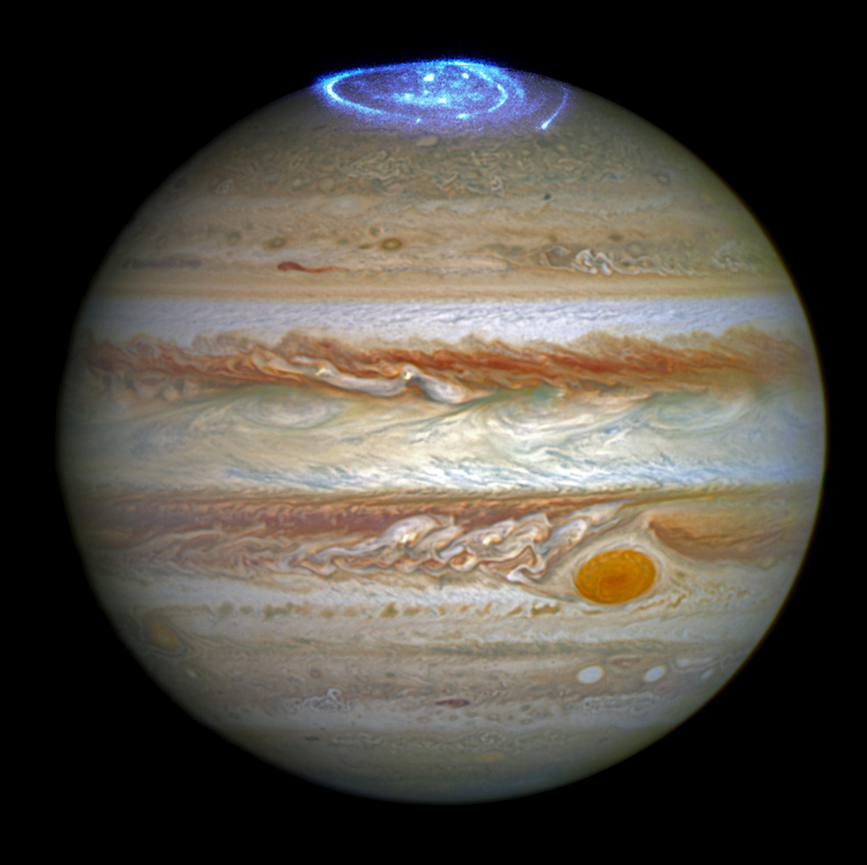 Hubble'dan Jüpiter'in aurorası